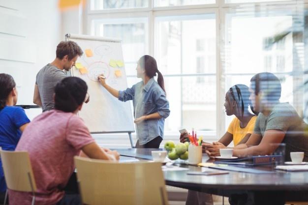 Strokovna-pomoč-ob-pomembnih-poslovnih-odločitvah